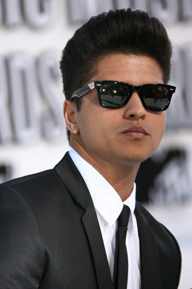 is bruno mars dating anyone