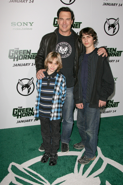 Patrick Warburton and Kids Pictures: The Green Hornet ...